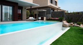 Piscinas únicas, personaliza tu piscina con Rosa Gres