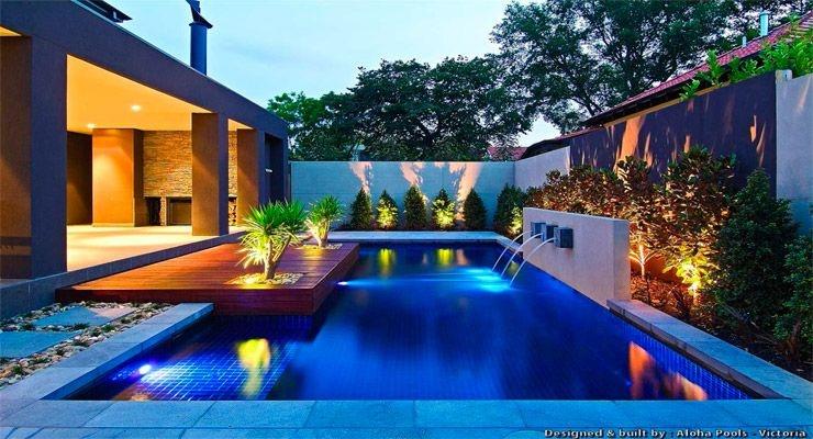 Consejos para iluminar correctamente la piscina la web for Costo de una alberca en casa