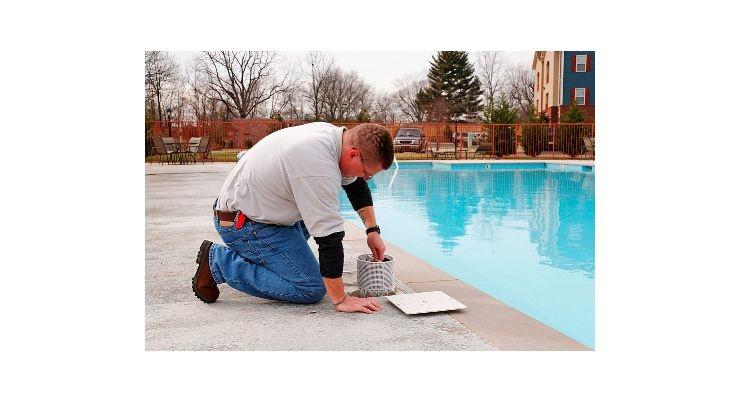Mantenimiento del agua de la piscina la web de las piscinas - Agua de la piscina turbia ...
